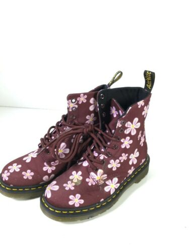 Women's Doc Martens Page Meadows US Size 5