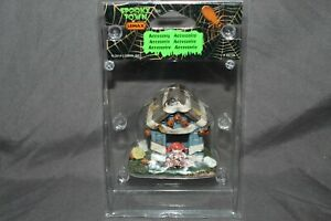 Lemax Spooky Town Halloween Village Tricked Out Doghouse #44778 *NEW*