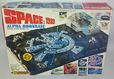 SPACE 1999 : ALPHA MOONBASE MODEL KIT MADE IN 1976 BY FUN DIMENSIONS (MLFP)