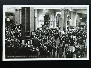 London-THE-STOCK-EXCHANGE-GREAT-HALL-Stockbrokers-amp-Traders-c1950s-RP-Postcard