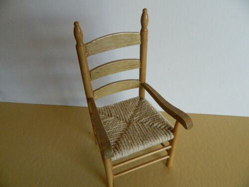 échelle 1//12th maison de poupées en bois de pin couleur Carver chaise HP29