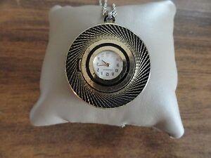 Vintage-Caravelle-Wind-Up-Necklace-Pendant-Watch