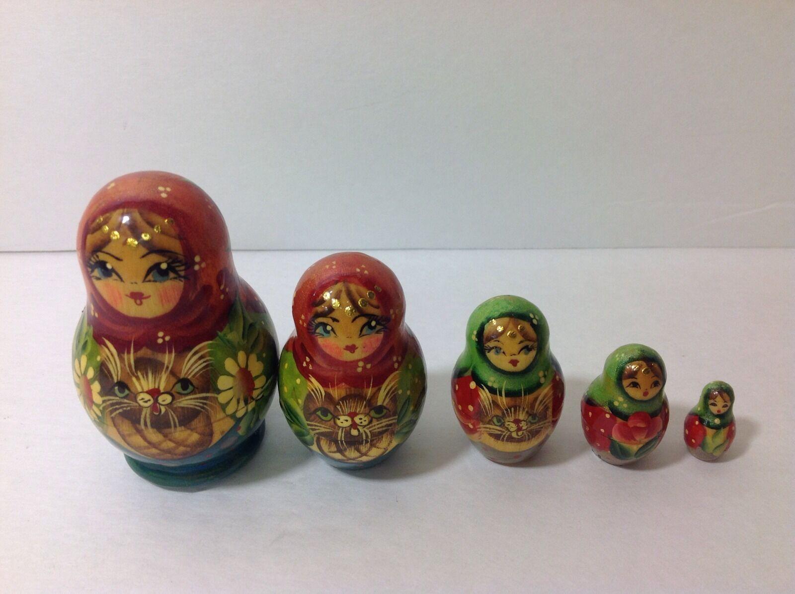 Russian Nesting  bambolas Holding Cat In Basket Set Of 5  il prezzo più basso
