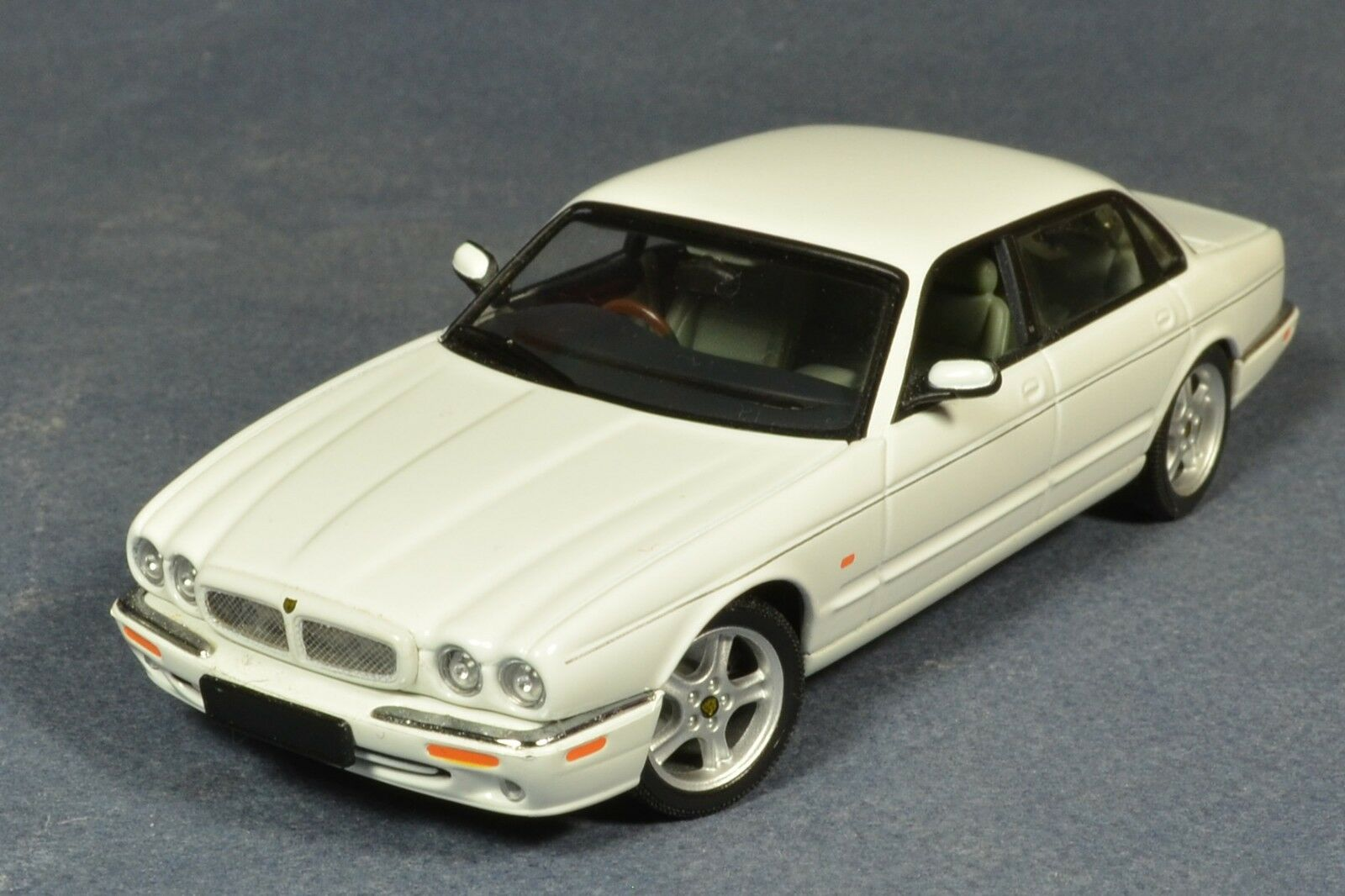 1 43 Jaguar XJR Autoart 53602 Muy Raro Ruedas Giratorias Diecast 1 43 XJ-R Auto