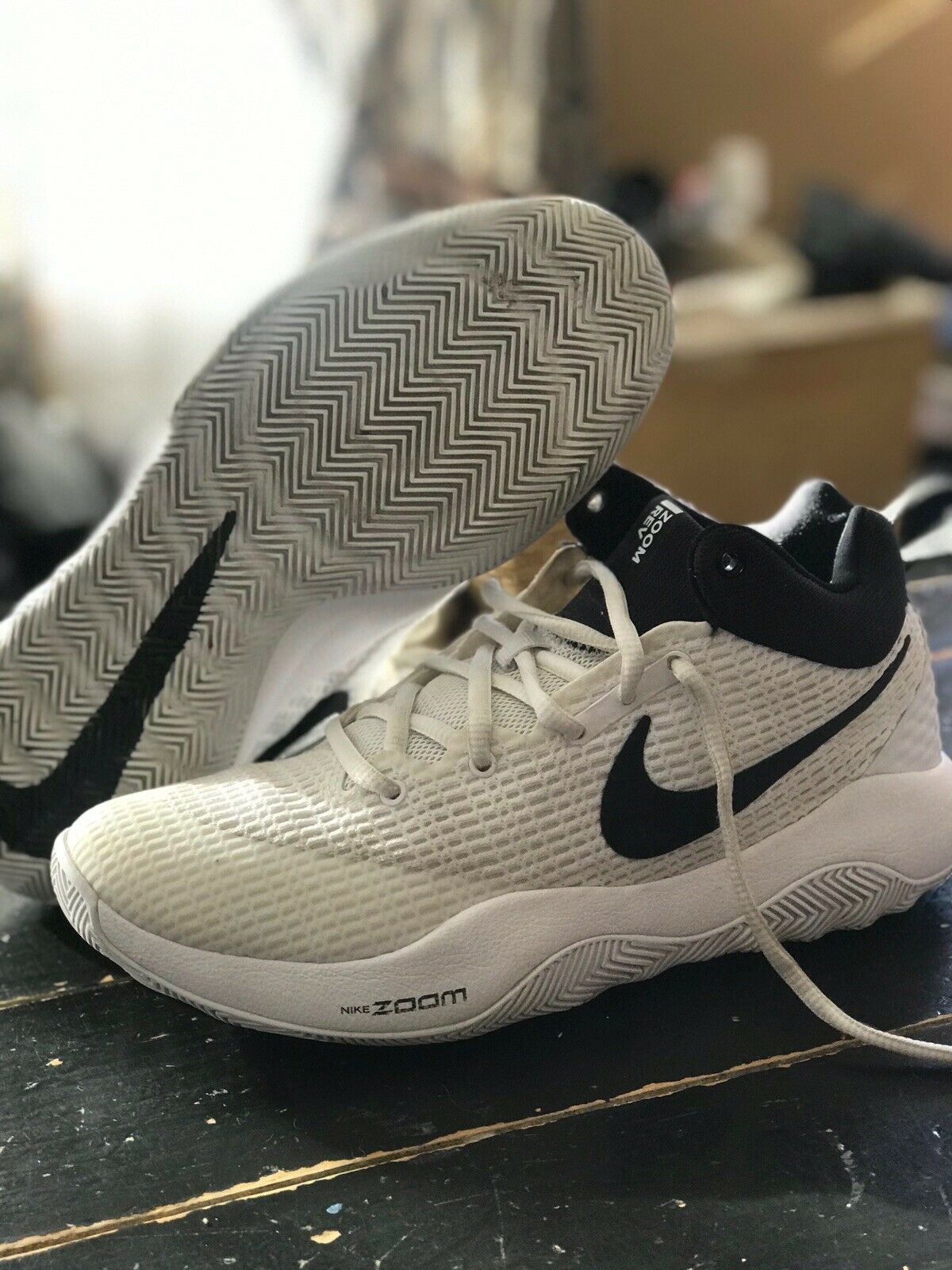 NIKE Zoom Rev TB, White Black, Size 7, Basketball shoes, Used Once.