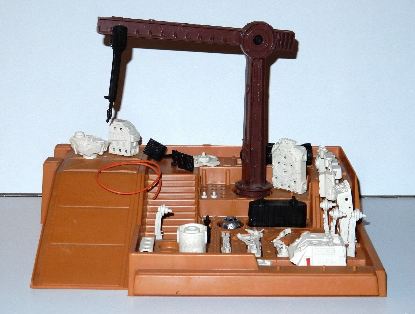 STAR WARS KENNER PLAYSET 1977 ANH DROID FACTORY NEAR COMPLETE WYSIWYG