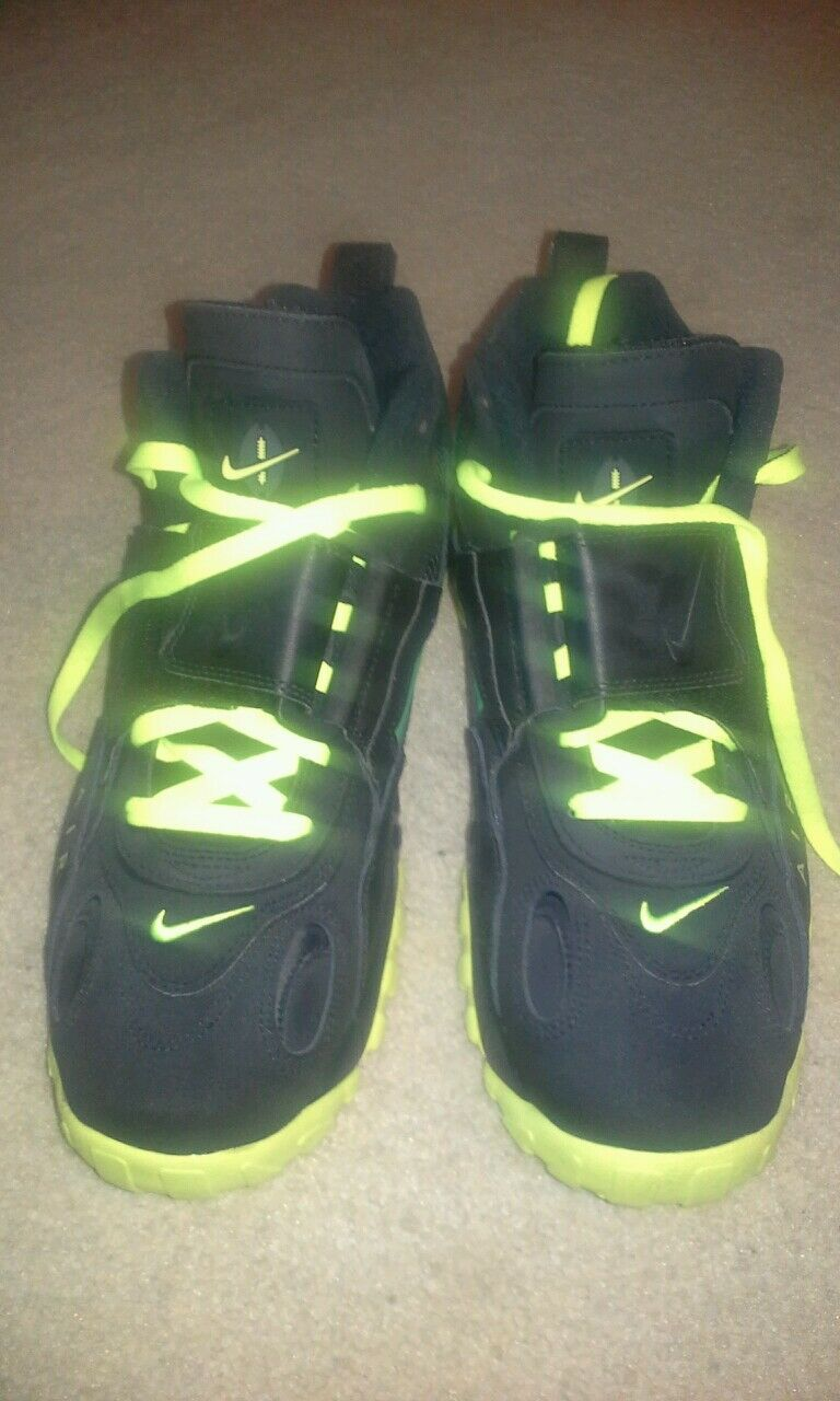 Nike mens size 11 shoe  Cheap and fashionable