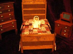 VINTAGE DOLL HOUSE BED ROOM + SHACKMAN GERMAN RUBBER BABY