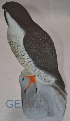Tierfigur Falke auf Stein aus Kunststoff Vogel Deko Figur Garten Gartenfigur