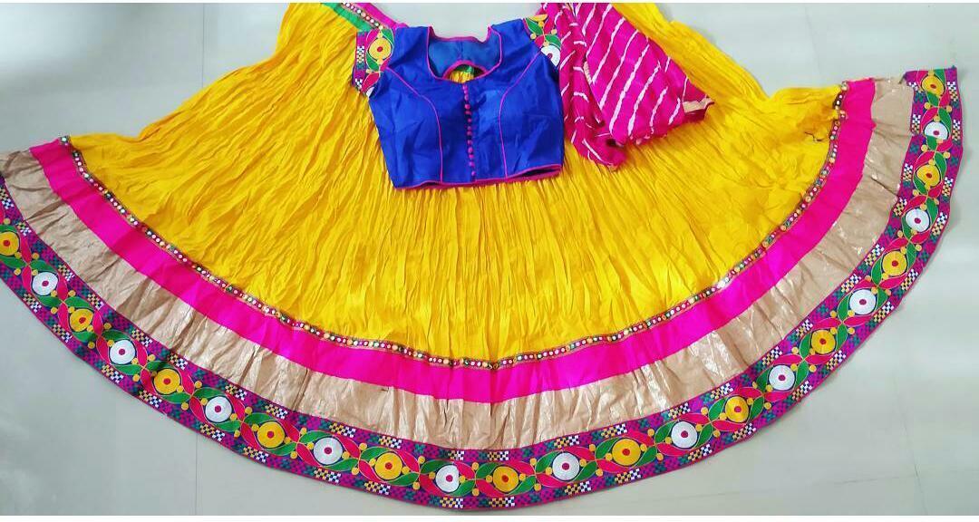 Leriya dupatta Embroidery work Designer Navratri Kutchi lehnga rady choli