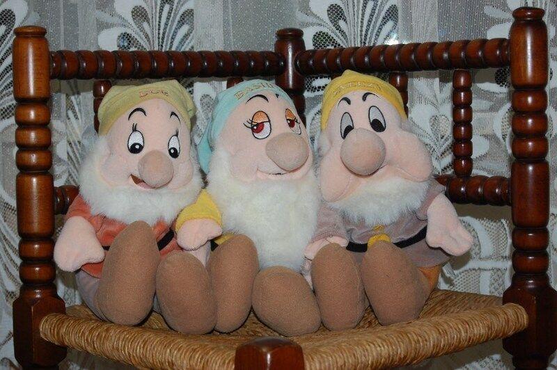 Snow White Plush 3 Dwarfs Doc Bashful Sneezy Merison Holland Rare