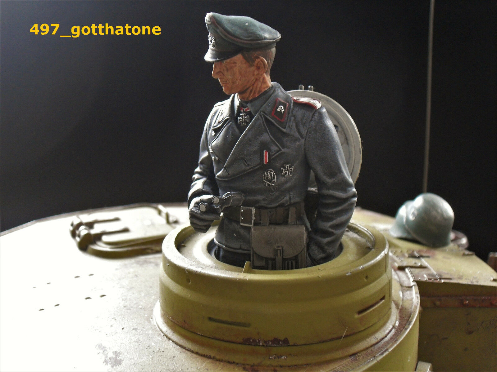 1 16 RC GERMAN TANK COMMANDER PRO-PAINTED + CONgreenED HENG LONG. TAIGEN see pics