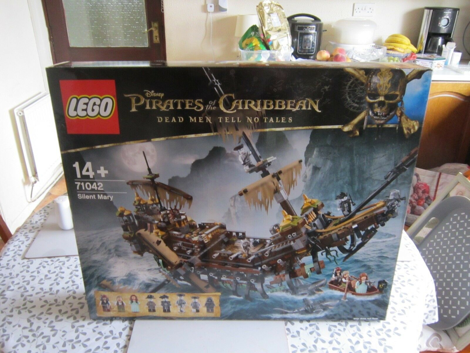 Lego 71042 POTC silent mary FIGURES HAVE BEEN REMOVED.