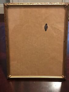 Vintage-24K-Gold-Plated-Ornate-Picture-Frame-8x10-with-Oval-Overlay-Victorian