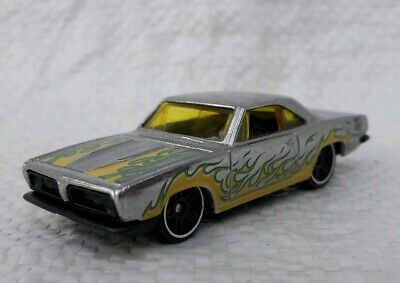 Zamac nu .50st anniversaire HW Neuf Sous blister. Hot wheels Camaro