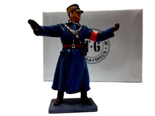 Bluecoat THOMAS GUNN MINIATURES BER004B WW2 Berlin Officer directing trafic