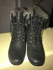 e52a03bb9ff Details about UGG Zea Women's Black Leather Shearling Wedge Lace-Up Boots  Size 9