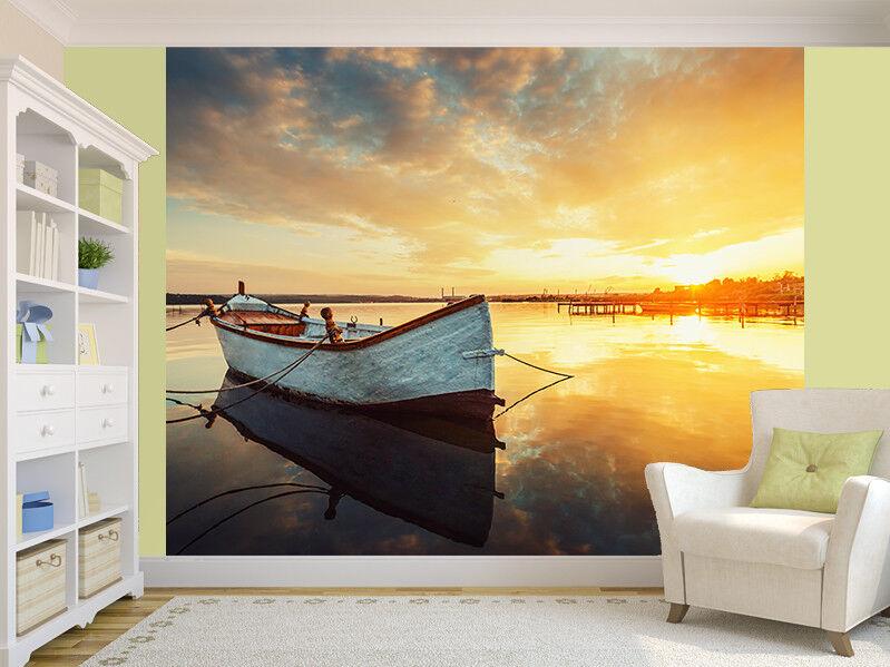 Stiefel auf See mit einer Reflexion in das Wasser Foto Wandtapete Wandgemälde