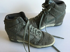 NIKE DUNK SKY HI Women s Wedge Sneakers Green Gray Patterned Size 7 ... 9e647f93a7