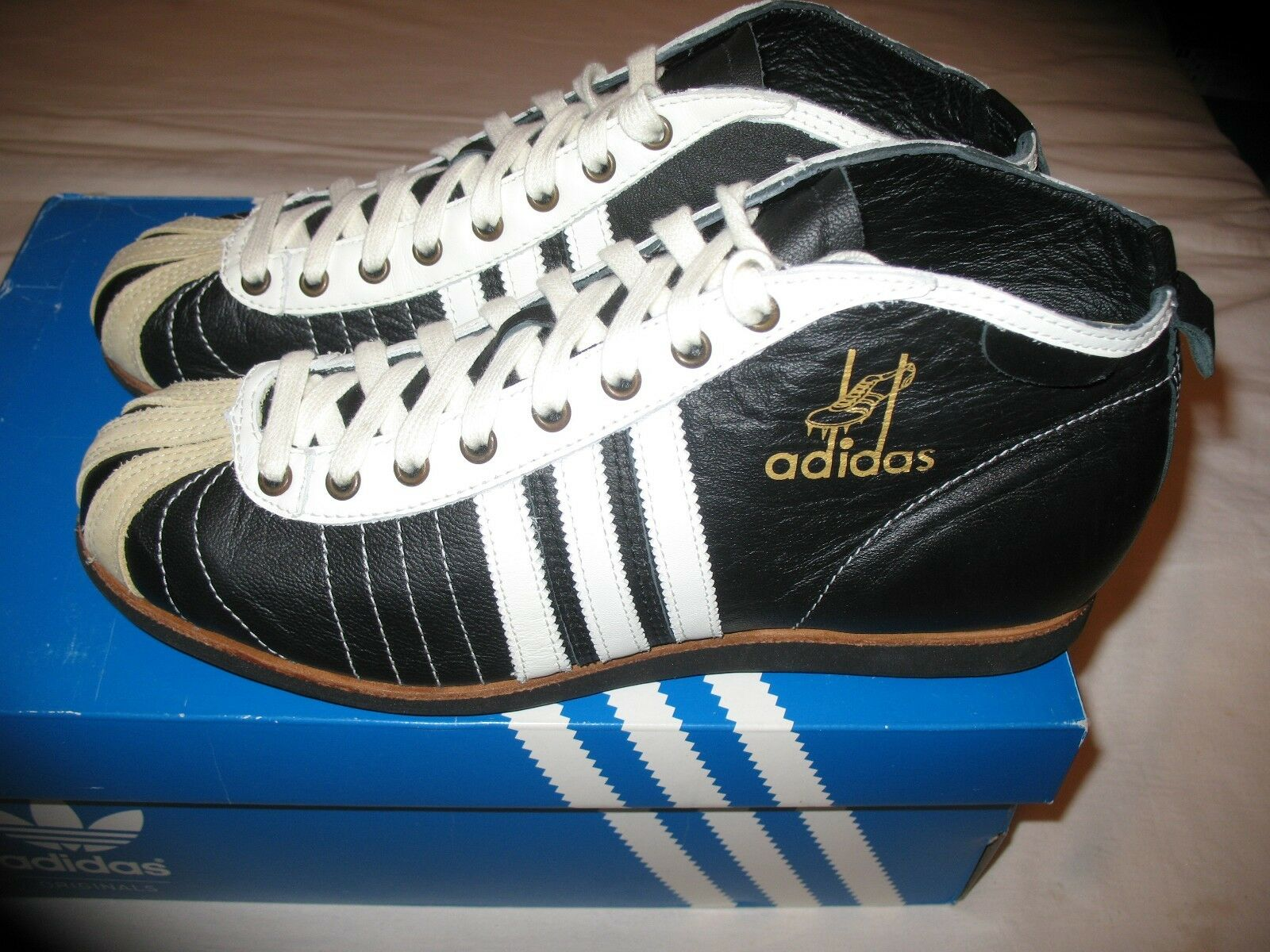 NEW LIMITED ADIDAS 54 BOOTS US 8.5 VERY RARE NO DUBLIN KOLN BERLIN 465098