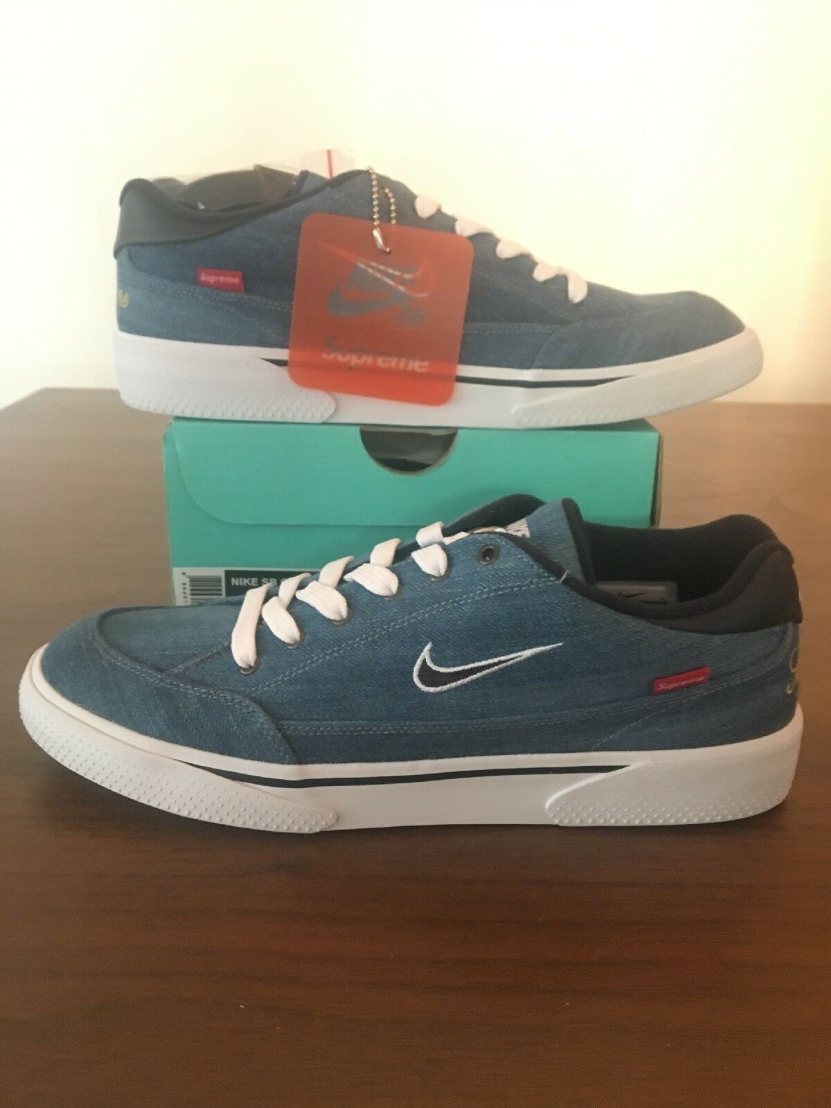 Nike SB GTS QS Supreme  - SIZE 9 NEW - 801621-441 White Obsidian bluee Denim