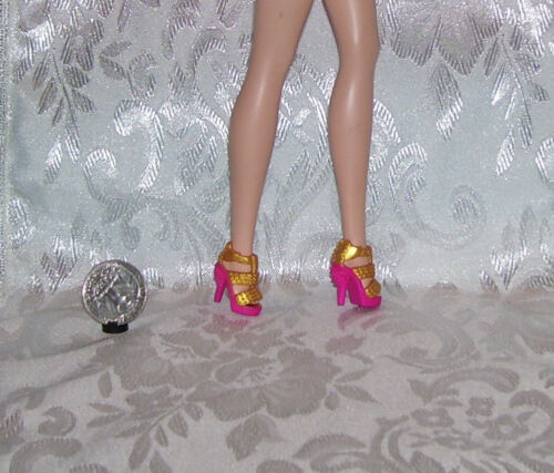 BARBIE DOLL PINK AND GOLD OPEN TOE DRESS SHOES ALSO FITS SILKSTONE DOLLS