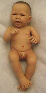 Doro Dolls Babypuppe, Spielpuppe  Junge nackt 54cm ,voll-Vinyl-Körper