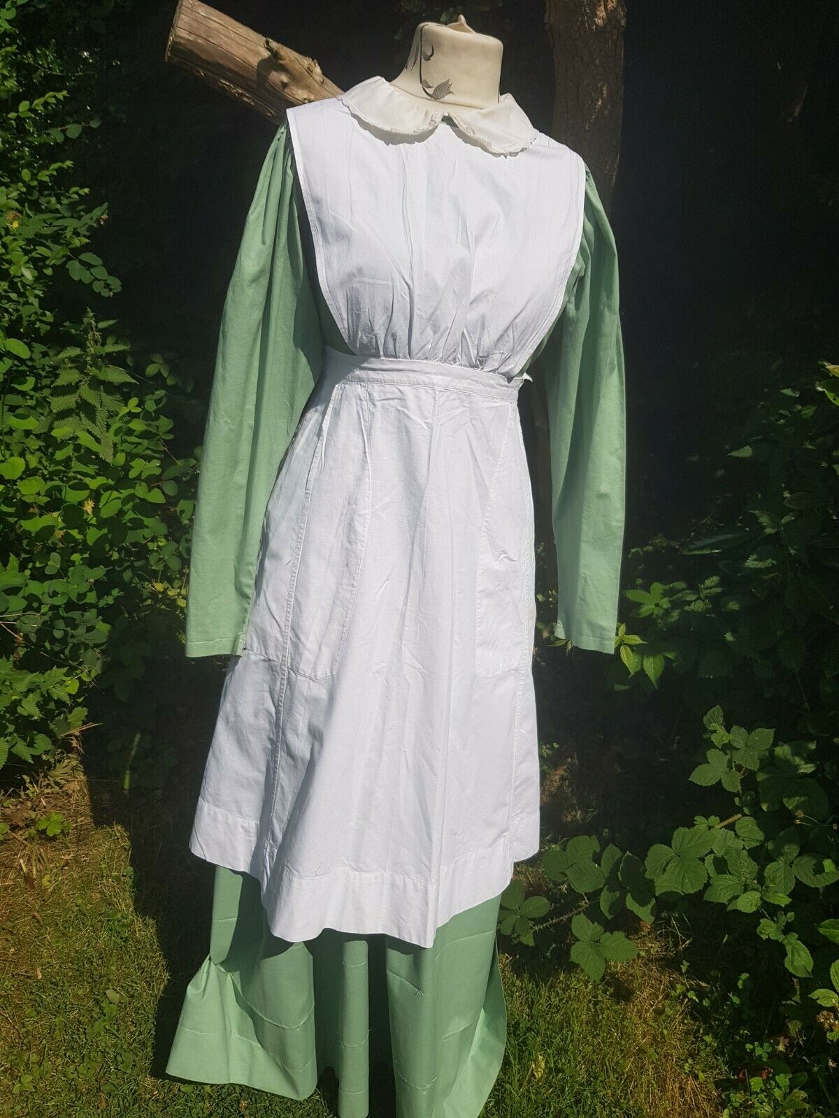 EARLY 1900's STYLE MAIDS OUTFIT DRESS & LINEN FULL PINNIE FOR THE STAGE/FILM
