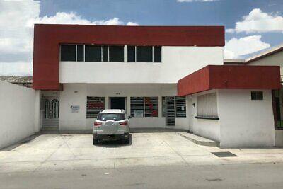 Local en RENTA en planta baja sobre Avenida Universidad