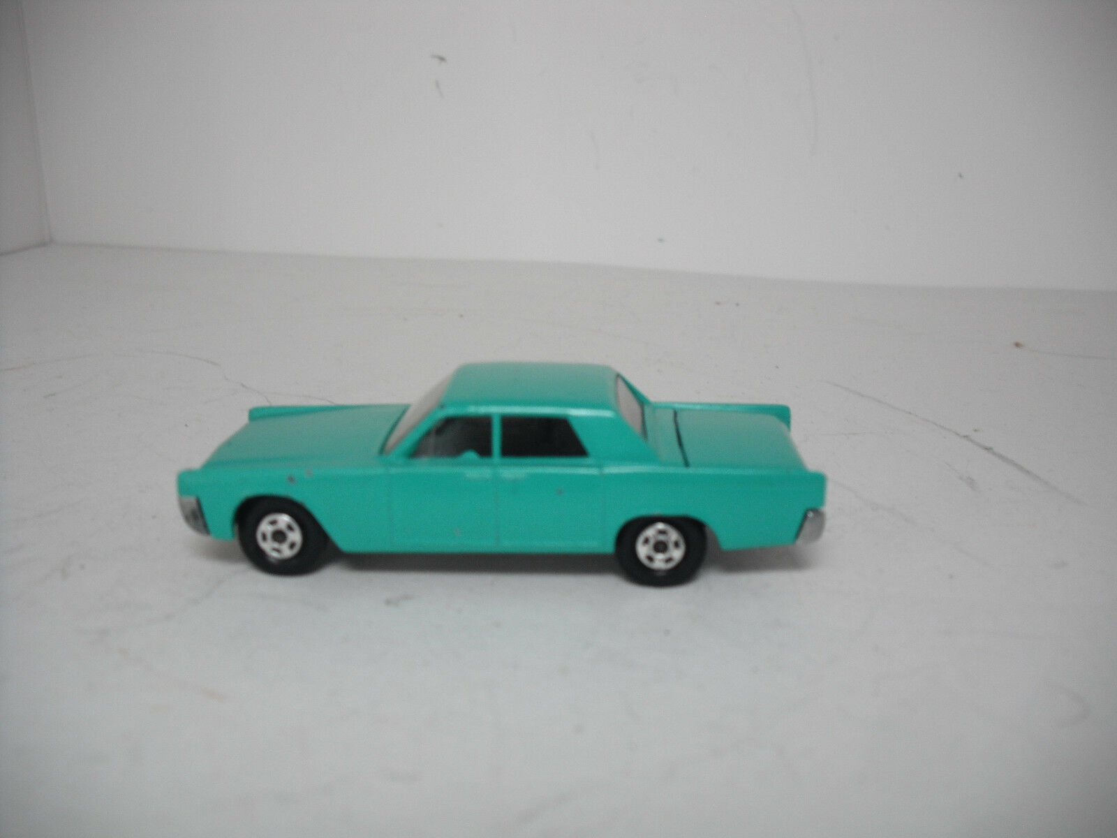 MATCHBOX LESNEY SUPERFAST  31 Lincoln Continental Resto-Mod Vert Menthe SUPERFAST.