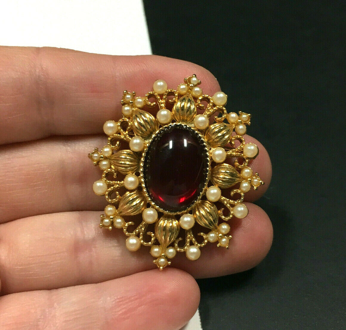 Vintage VICTORIAN STYLE Pearl & Red Cabochon Broo… - image 4