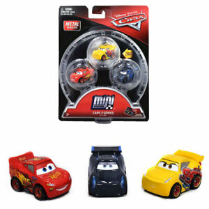 Disney Cars 3 Mini Racers Lightning Mcqueen Jackson Storm Cruz