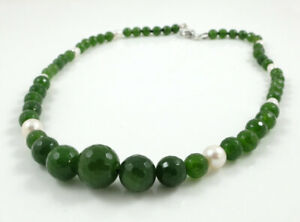 Graduate Faceted Taiwanese Jade & White Freshwater Pearl Necklace