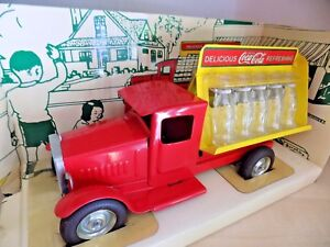 Raro-1930-de-Embotellado-Truck-Coca-Cola-Camion-Botellas-Miniaturas-Caja-1-18