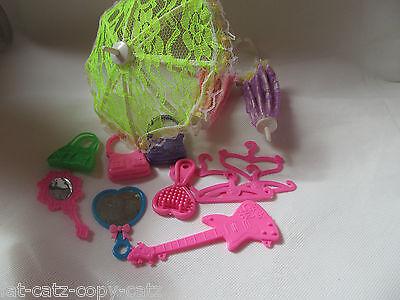 15x Muñecas Barbie Tamaño Perchas, zapatos y accesorios: paraguas Espejo Peine De Guitarra