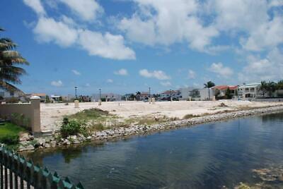 Terreno en Venta en Cancun Isla Dorada