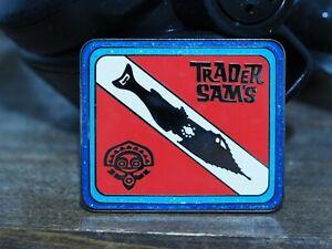 Trader-Sam-039-s-Dive-Dive-Dive-Nautilus-Tiki-Mug-Disney-Fantasy-Pin-LE