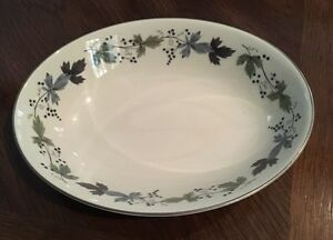 ROYAL-DOULTON-BURGUNDY-SERVING-VEGETABLE-BOWL-9-1-2-034-L-TC-1001-VERY-GENTLY-USED