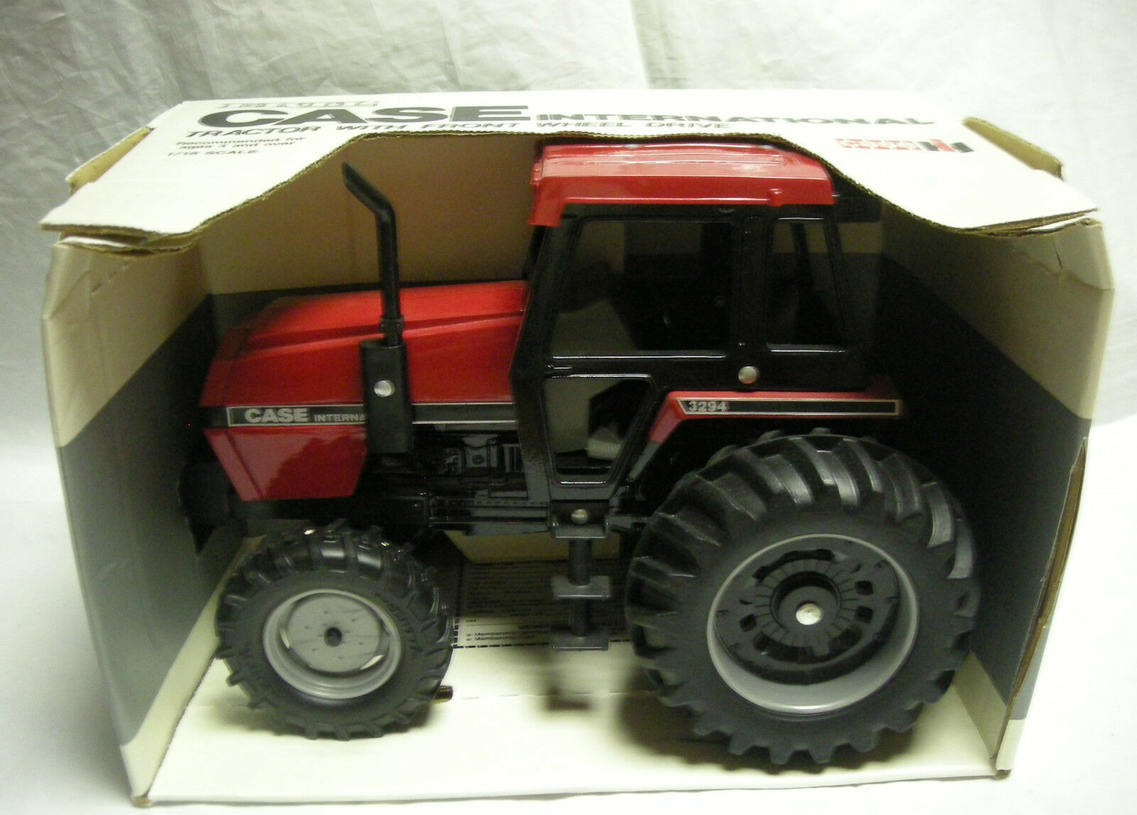 1 16 Case IH 3294 Tractor with FWA