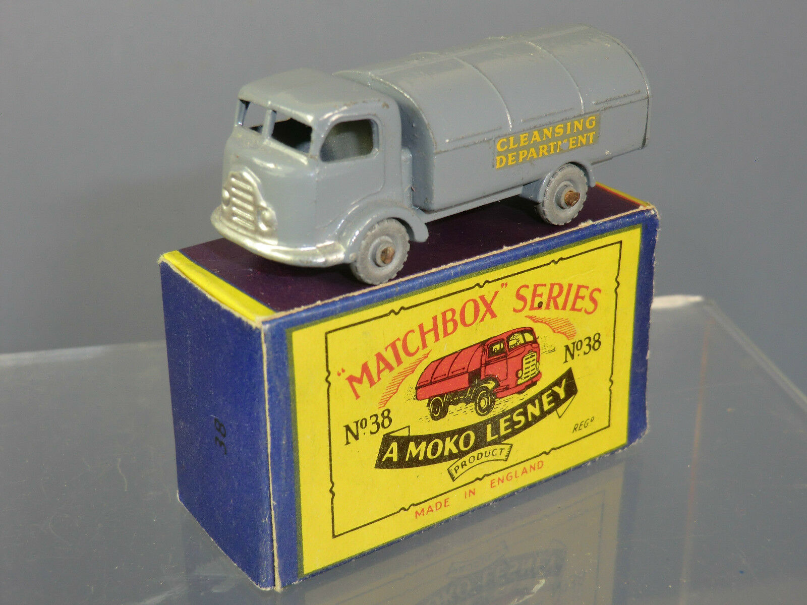 MATCHBOX MOKO LESNEY MODEL No.38a KARRIER REFUSE COLLECTOR  VN MIB