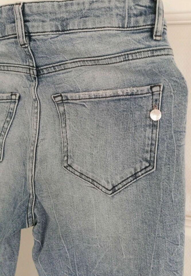 Jeans, Pieszak, str. 26