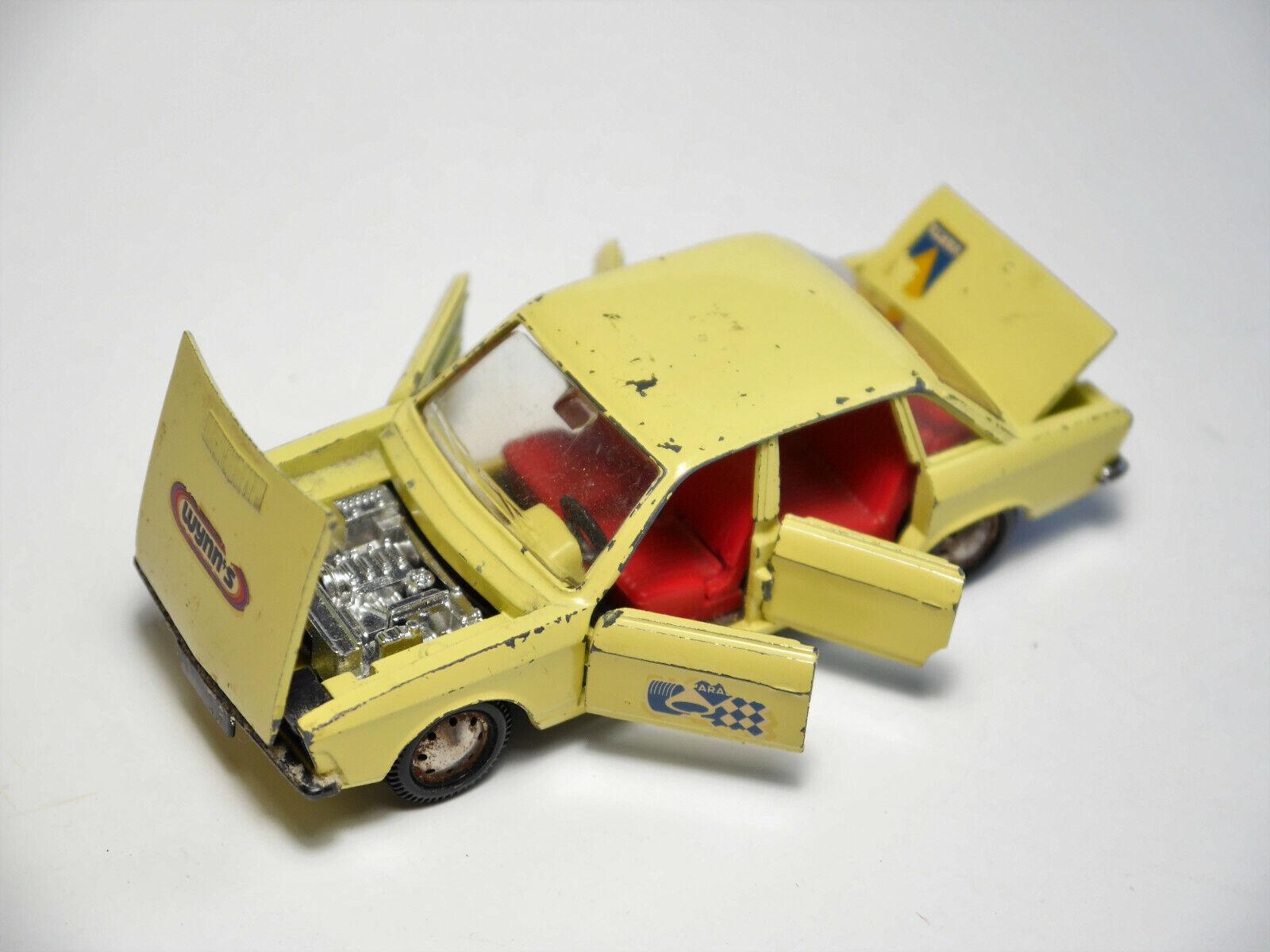 Volkswagen VW K70 K 70 in Yellow yellow yellow YELLOW, Märklin RAK in 1 43
