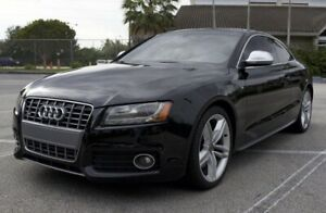 2009 Audi S5 red
