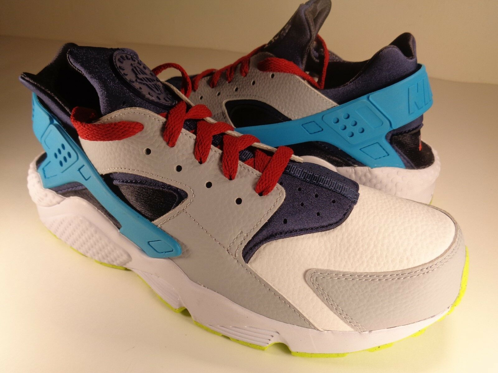 Womens Nike Air Huarache Aqua White Red Navy bluee SZ 12   Mens 10.5 (777331-985)