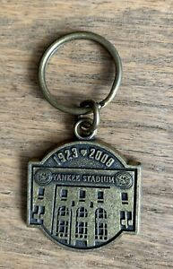 NY YANKEES STADIUM KEY CHAIN SGA FINAL SEASON 1923-2008