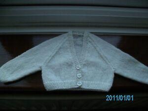 100% De Qualité Neuf Tricoté à La Main Bébés Cashmere Cardigan Taille 16 In (environ 40.64 Cm) Poitrine-afficher Le Titre D'origine Blanc De Jade