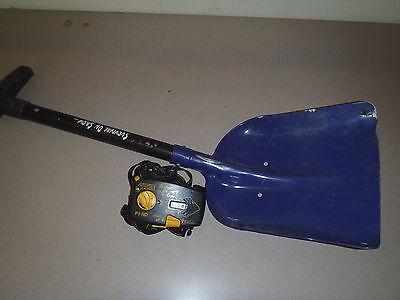 Survival On Snow avalanche beacon shovel