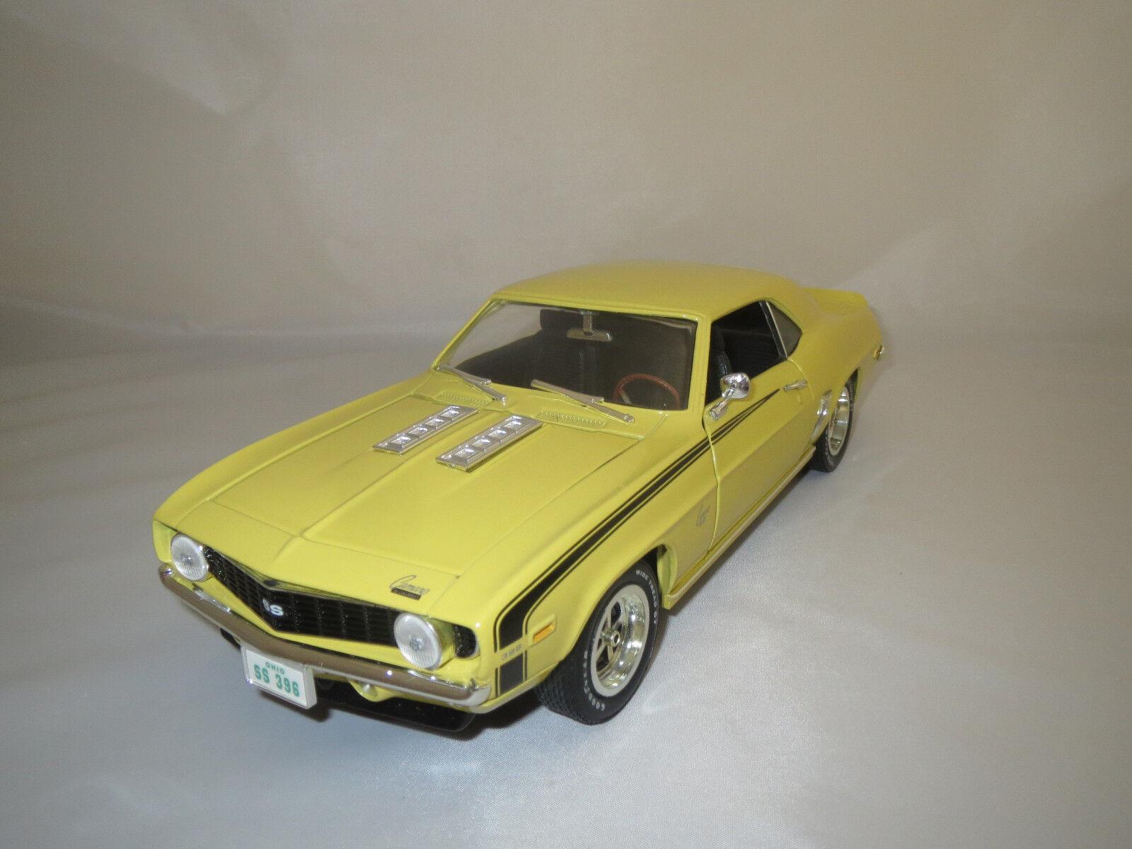 ERTL American Muscle CHEVROLET CAMARO ss (1969)  jaune  1 18 sans emballage