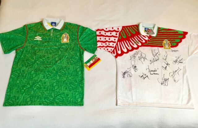 289512d132a 1994 Mexico Umbro World Cup Soccer Home Jersey Signed by Team Size Large