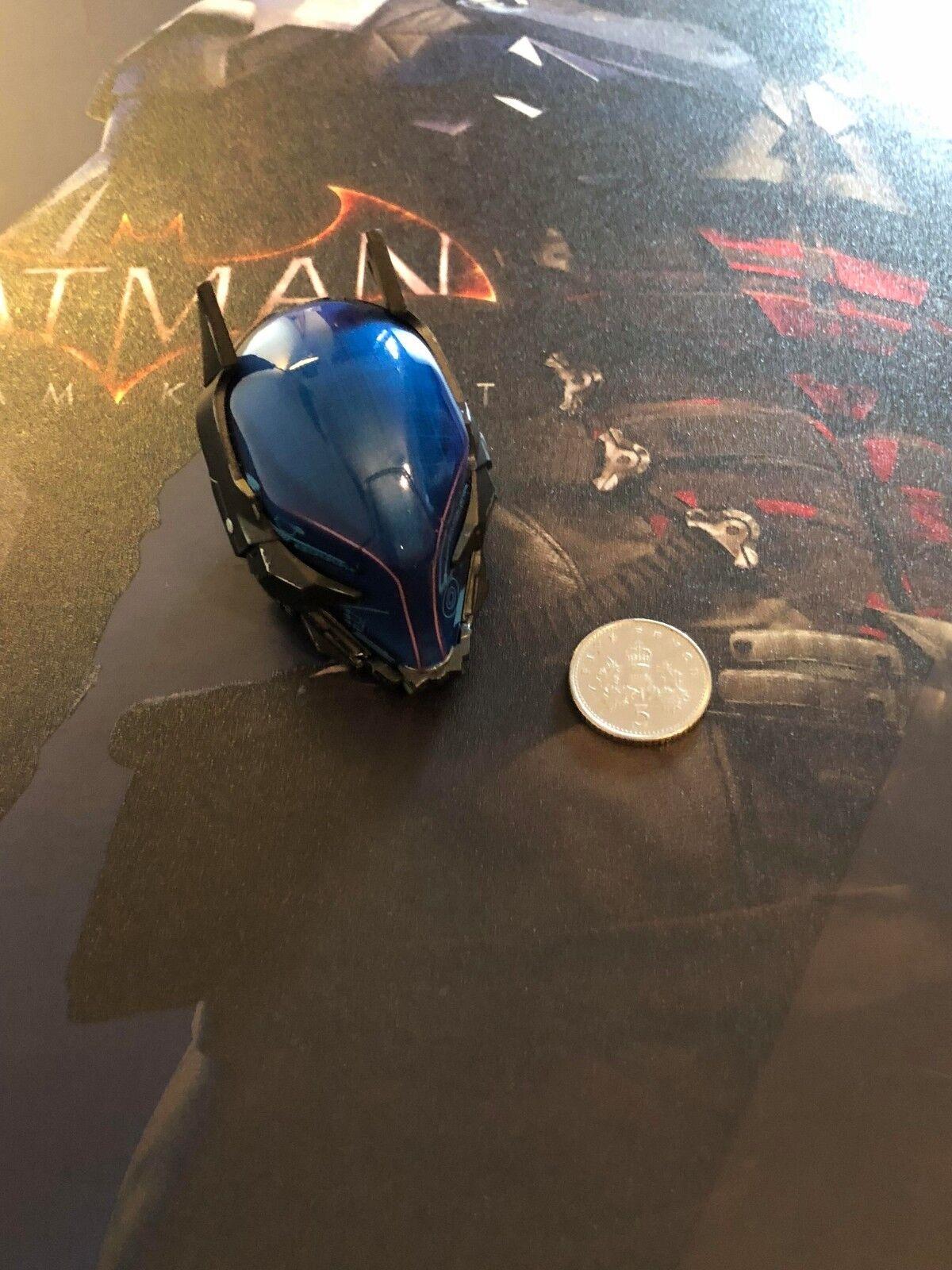 Hot Toys Batman Arkham Knight Blau Head Sculpt LED VGM28 loose 1/6th scale
